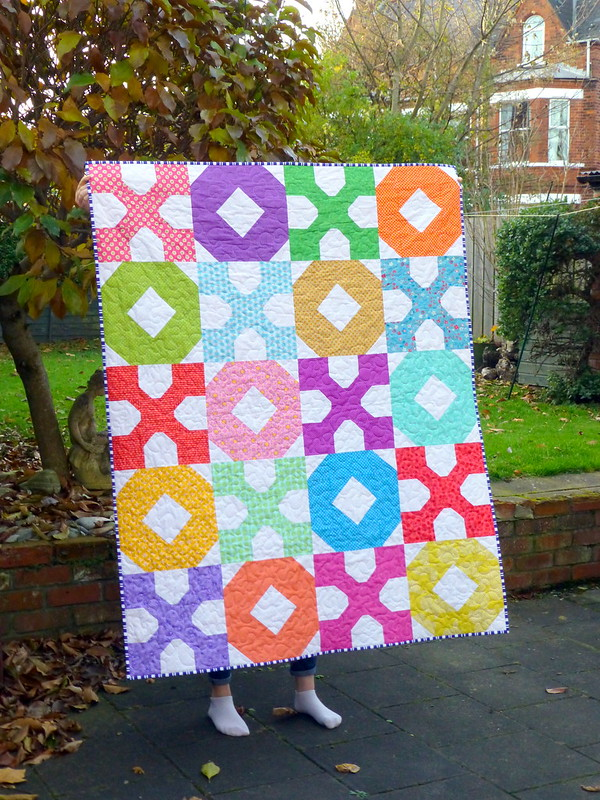 Hugs & Kisses Quilt (Pretty Patches Feb17)