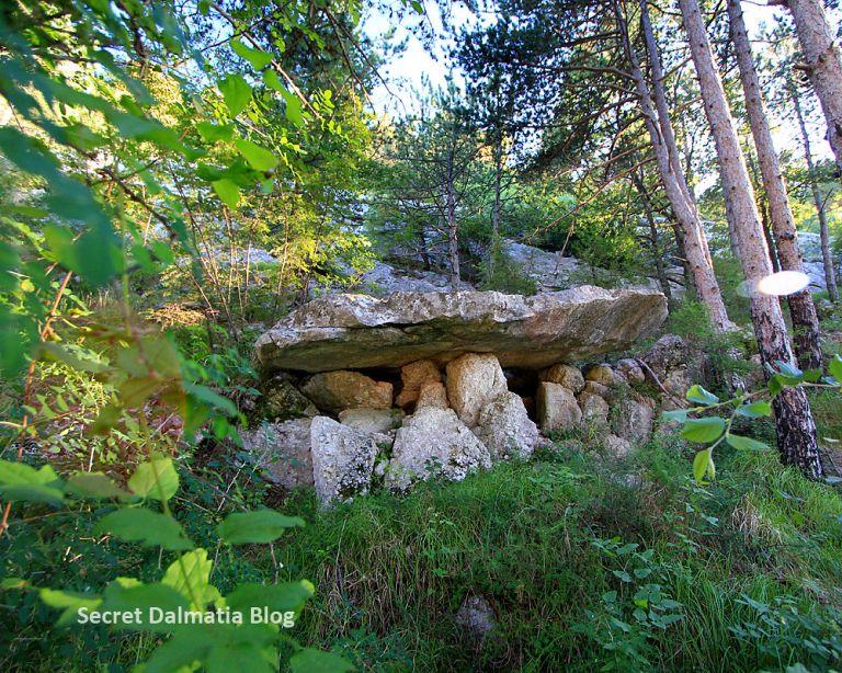 dolmen in croatia