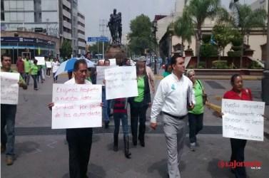 Con manifestación, denuncian corrupción al interior de la contraloría del estado
