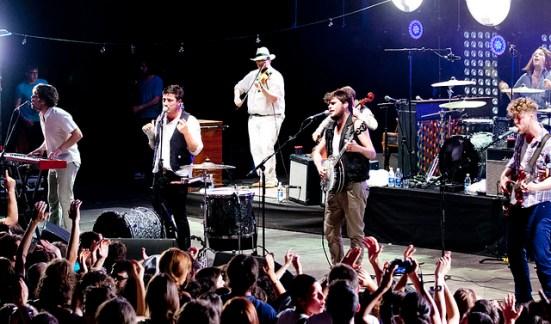 Mumford_&_Sons_in_Teatro_Romano_Verona_2012