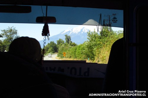 Buses Petrohué - Volcán Osorno - Mitsubishi Fuso Rosa (FFCL23)