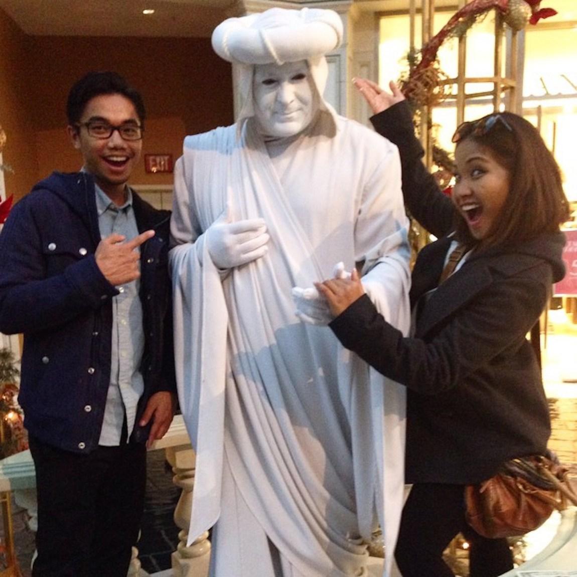 What did the Filipino say to the statue? estatue 😉