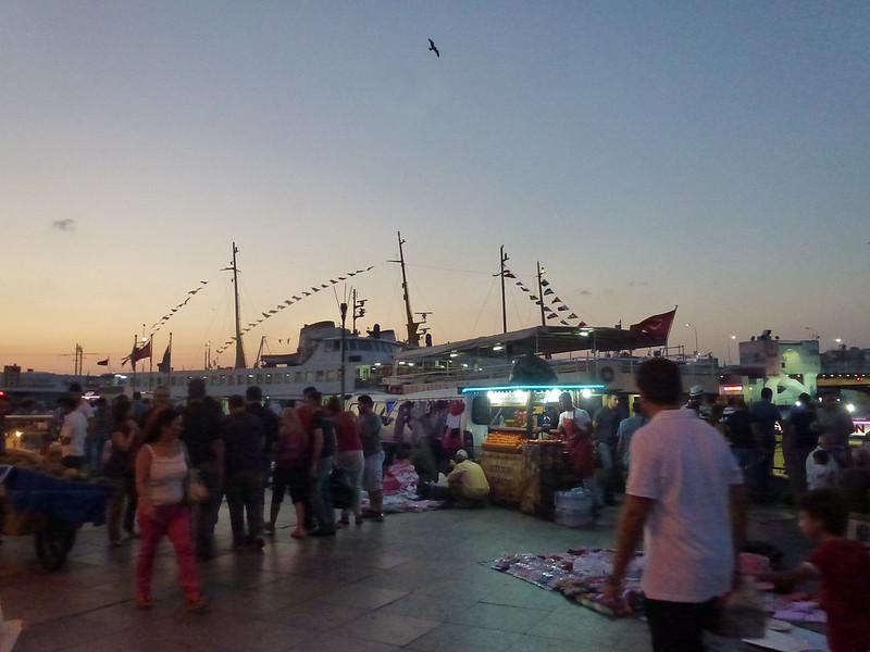 Turquie - jour 23 - Balades poétiques et visages stambouliotes - 175 - Eminönü