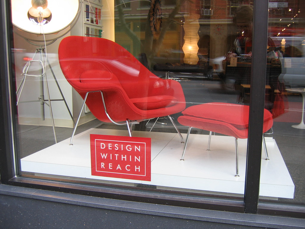 dwr womb chair vintage accent chairs showroom window with a saarinen on dis flickr by uberculture