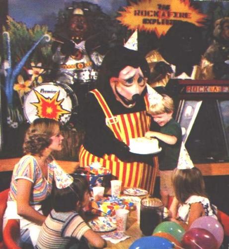 Chuck E Cheese Pbs Arthur