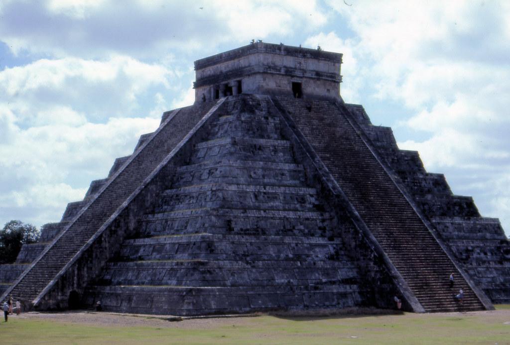 can8602_02 El Castillo Chichen Itza Maya Ruins Yucatan  Flickr