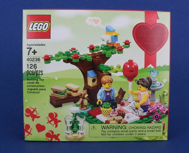 Review 40236 Romantic Valentine Picnic Brickset LEGO