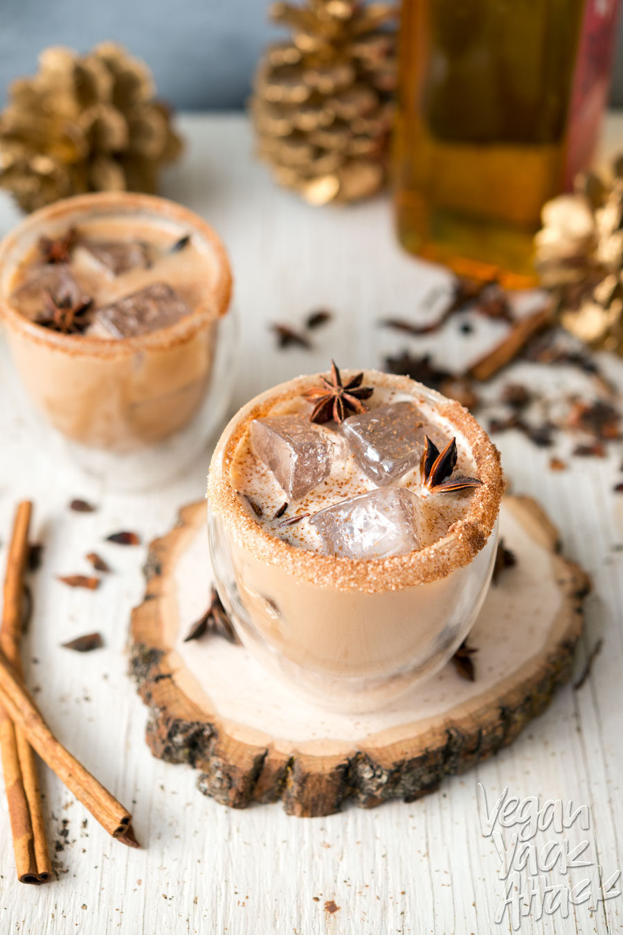 This Iced Cinnamon Whiskey Chai is spicy, cool and perfect for the holidays! Made with delicious Rebbl Ashwaganda Chai Elixir @Veganyackattack #rebbl #recipe