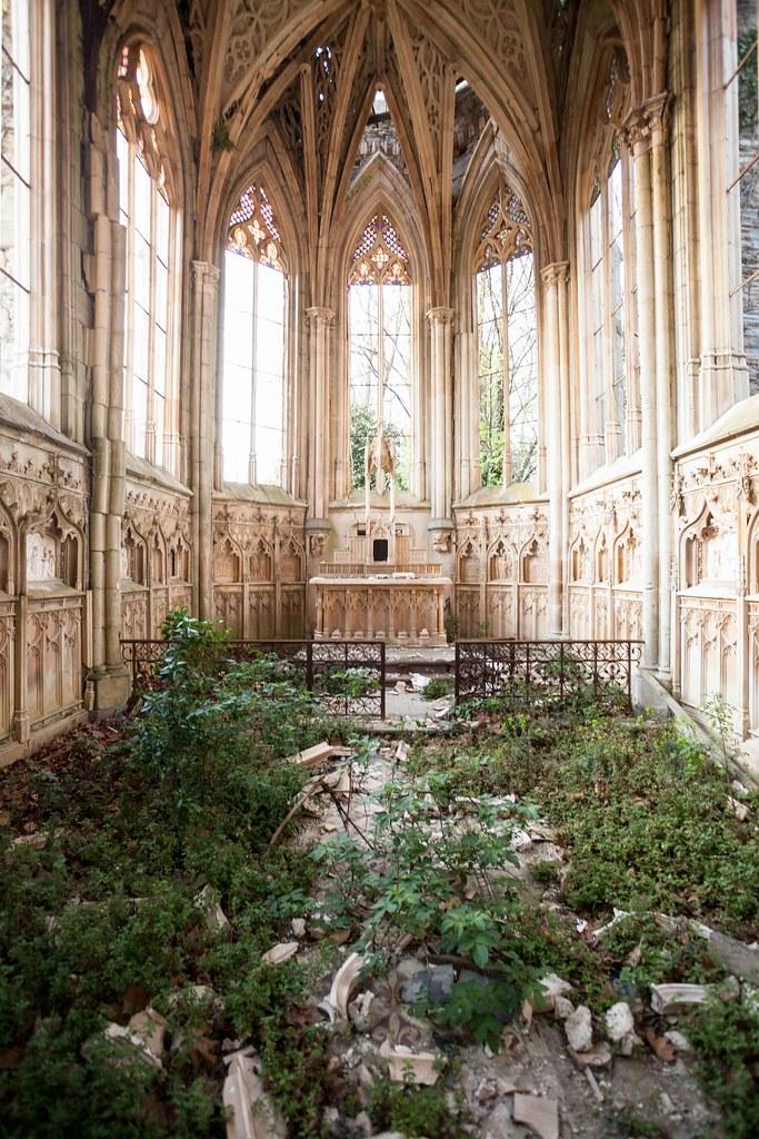 Mountain Wallpaper Hd Chapelle De L Ange Au Violon Abandoned Chapel France
