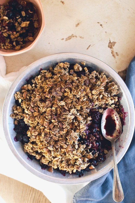 mixed berry crisp