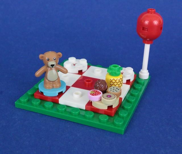 Review 40236 Romantic Valentine Picnic Brickset LEGO