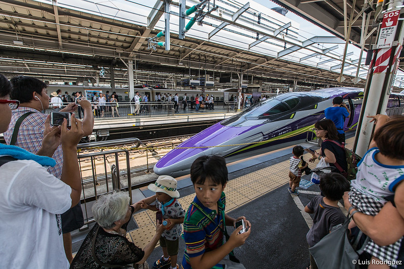 500-Type-Eva-Shinkansen-38