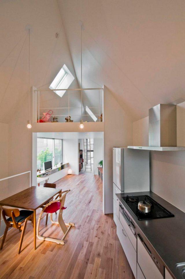 Stunning Narrow House Design Ideas 8