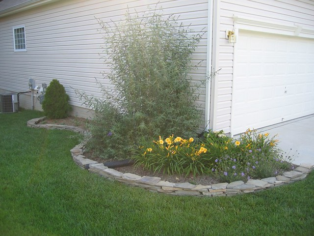 landscaping - garage side 2 joe