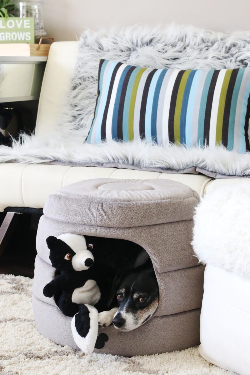louis-beagle-dog-igloo-pet-bed-5