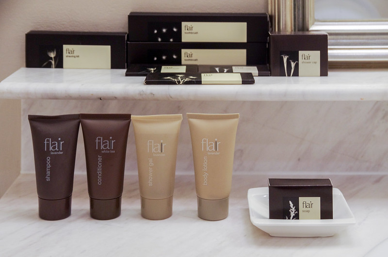 bathroom amenities - the scarlet singapore