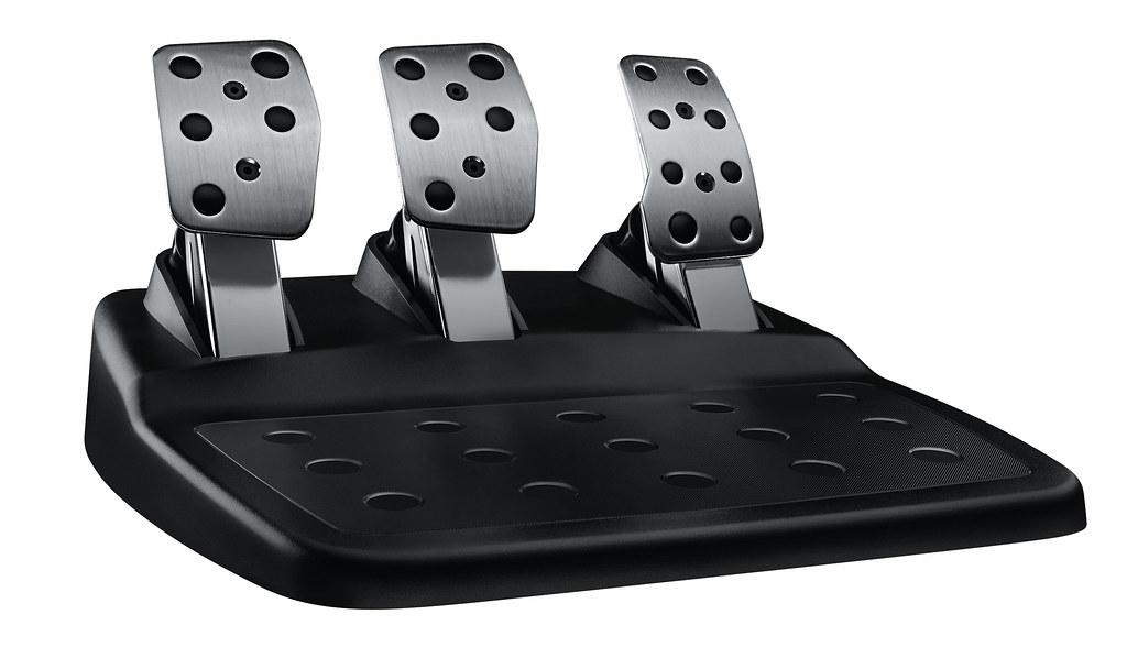 De Logitech G29 komt met responsive pedalen in roestvrij staal
