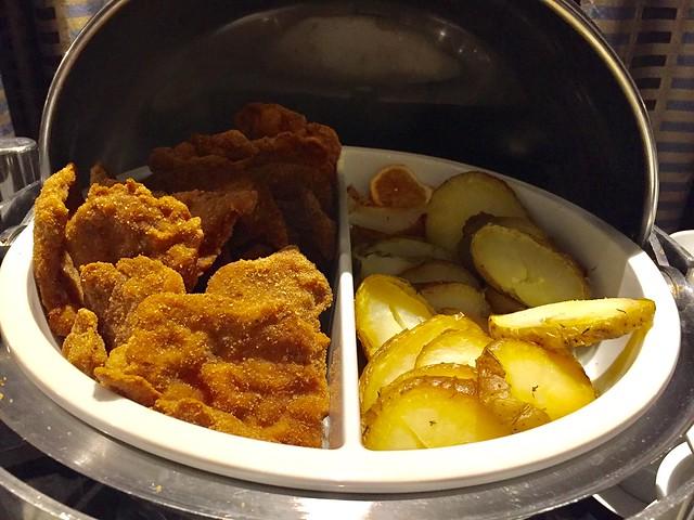 Wiener Schnitzel y patatas asadas