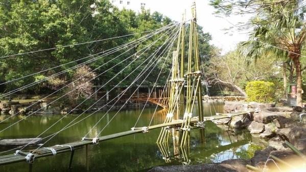 這座簡支橋同學們將它取名為「竹」