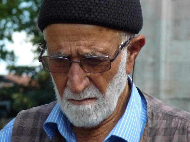Turquie - jour 23 - Balades poétiques et visages stambouliotes - 155 - Au pied de Beyazıt Camii