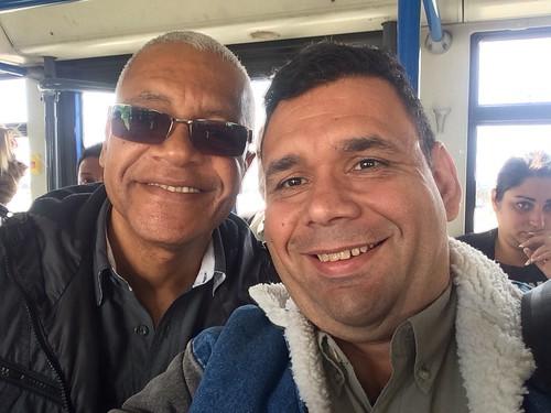En un viaje al Mobile Word Congress, nos encontramos con Francisco Pachecho, voz líder durante mucho tiempo de Un Sólo Pueblo, en el aeropuerto de Barajas, España, cuando él iba a China.