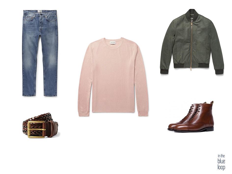 El rosa para hombre se puede levar en un sweater y combinarlo con una bomber, unos vaqueros, unas botas y un cinturón. Un look muy masculino
