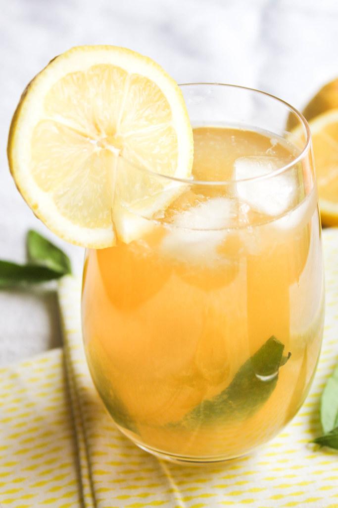 Citronnade à la verveine citron