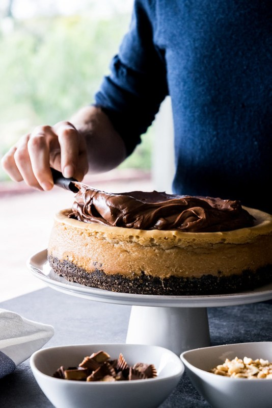 once the ganache is thick and spreadable like frosting, it's ready