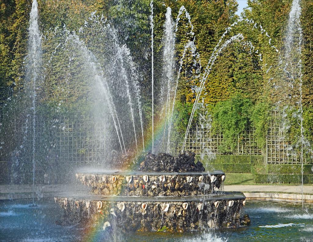 Fontaine De Jardin En Pierre Ancienne - Décoration de maison idées ...