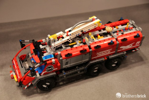 42068 Airport Rescue Vehicle