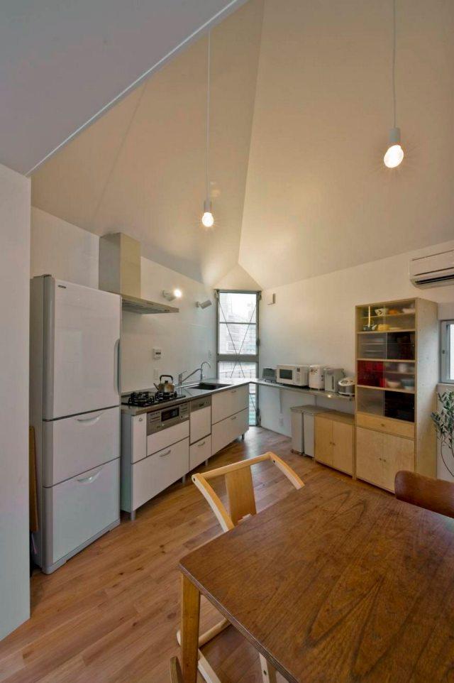 Stunning Narrow House Design Ideas 4
