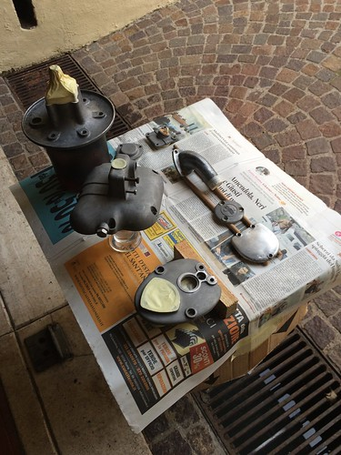 Parti da verniciare motore Lambretta 150D