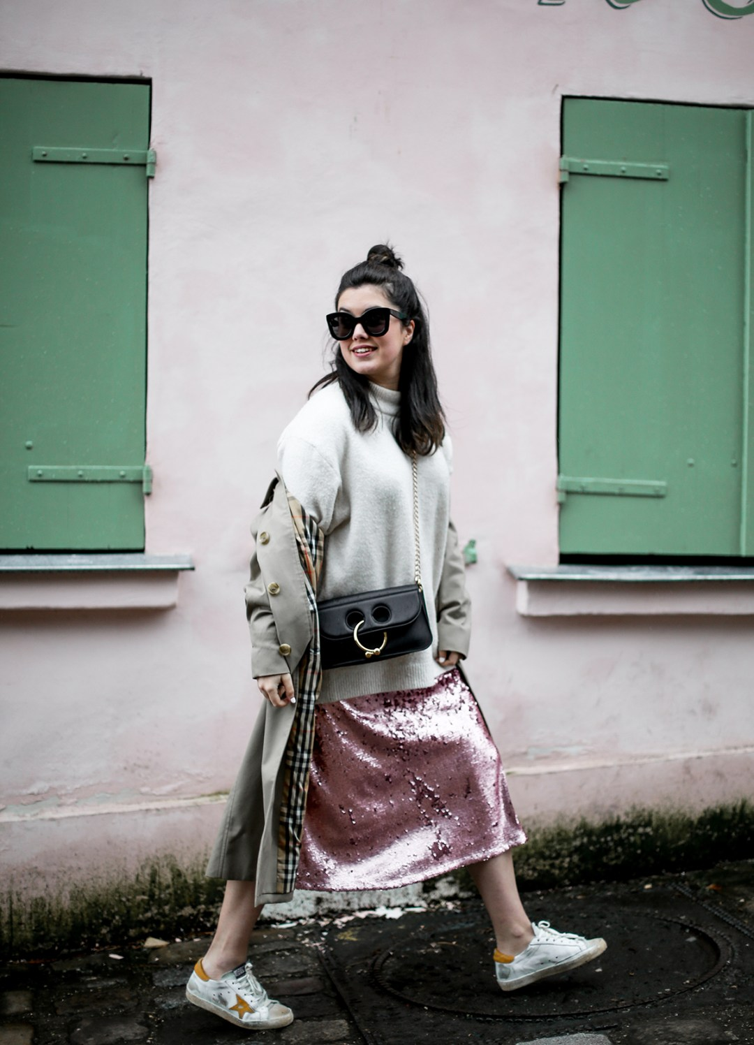 pink-sequin-skirt-hm-golden-goose-sneakers-vintage-burberry-trench-streetstyle3