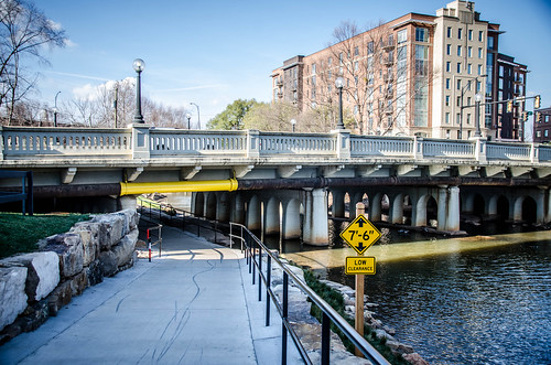 Swamp Rabbit Trail at River Street-003
