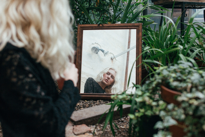 Greenhouse portraits // Zi Nguyen Photography
