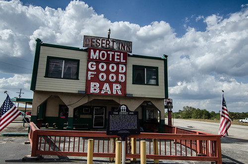 Yeehaw Junction Desert Inn-002