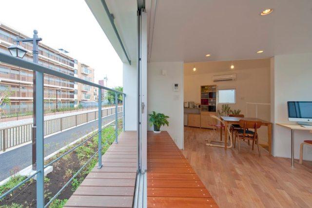Stunning Narrow House Design Ideas  1