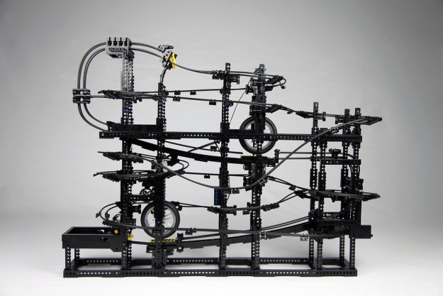 Incredible Great Ball Contraption Accelerates Tiny Lego Balls At