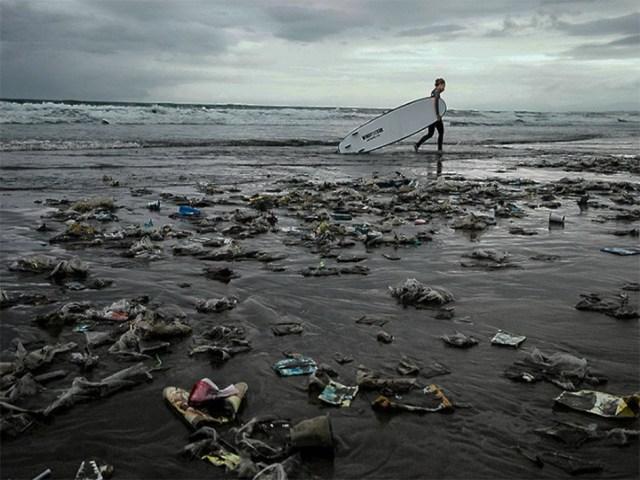 Sea2see 0es una marca de gafas de sol que recicla el plástico del mar para hacer sus productos para hombre