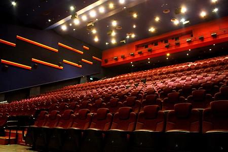 [體驗]國賓大戲院巨幕廳 星艦級豪華新座椅 - jolin520asin的創作 - 巴哈姆特