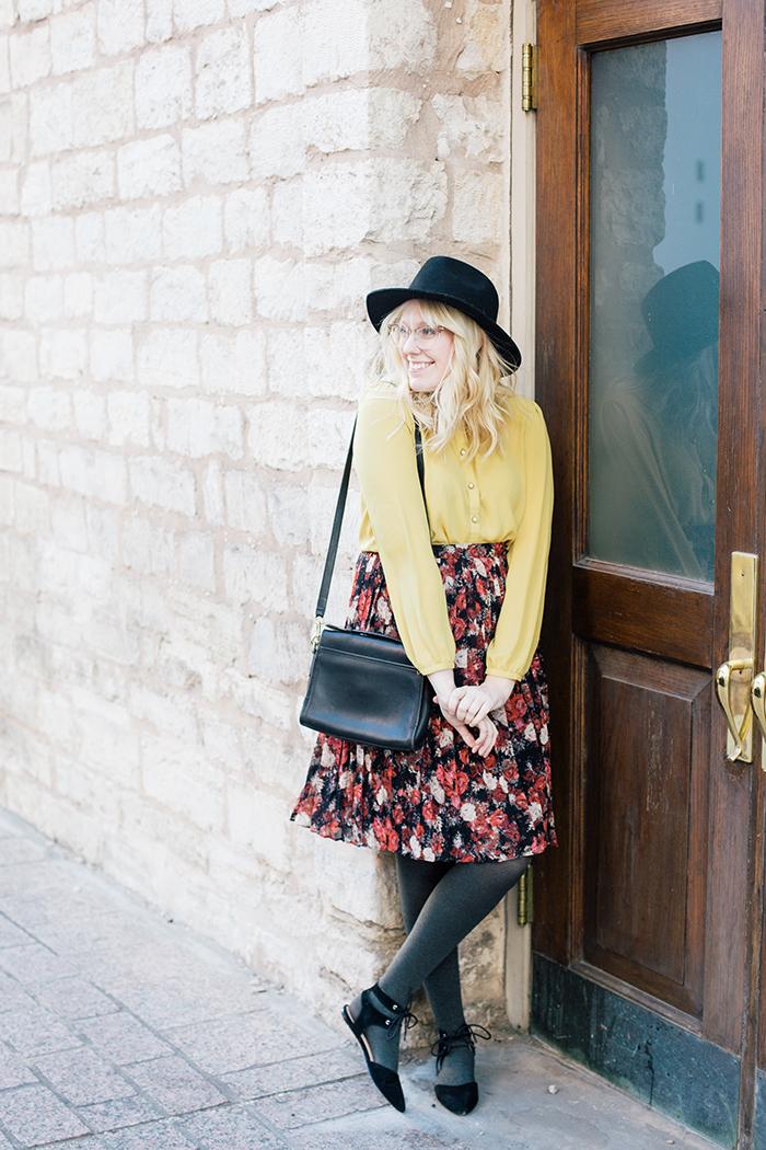 austin fashion blogger floral midi skirt winter outfit1