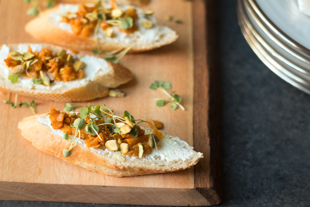 Bruschetta with Persimmon Chutney