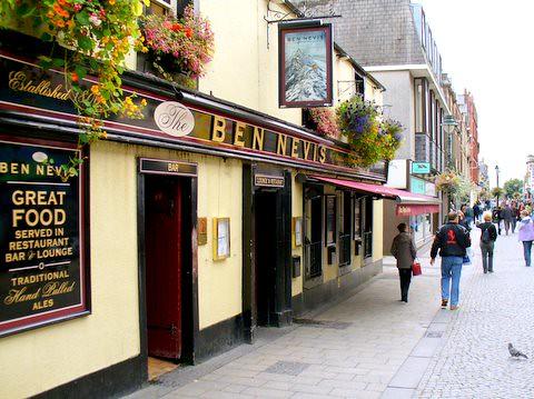 Ben Nevis Pub  Fort William Scotland 2006  Ben Nevis is