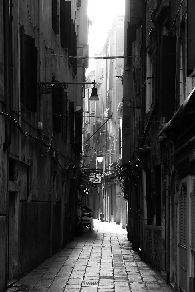 Alley A Lonely Alley In Venice When This Scene