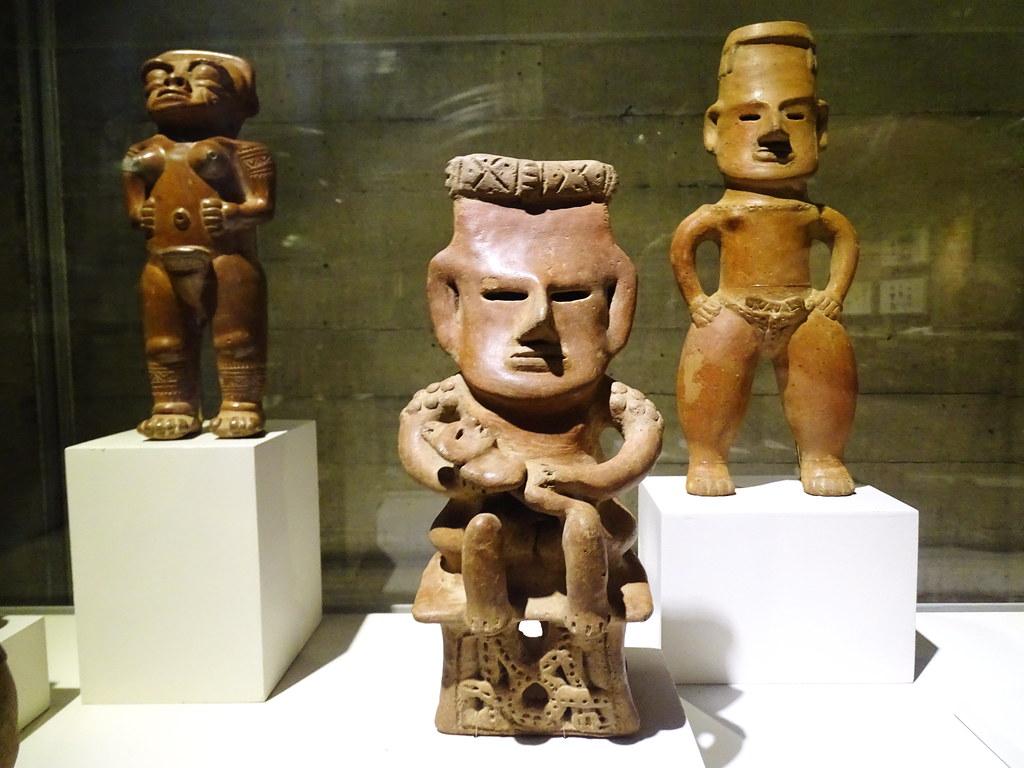 Figura antropomorfa ceramica nicoyana Museo del Oro Banco Central San Jose Costa Rica 09