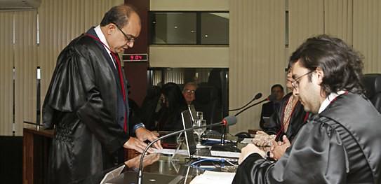 TRE define relator de recurso de contas de campanha reprovadas em Terra Santa, Juiz Almicar Guimarães, do TRE