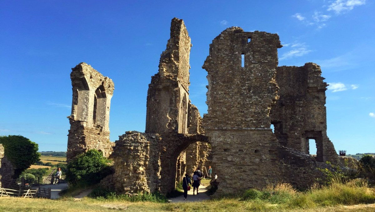 """Corfe Castle - La Bruja Novata - Inglaterra castillo de corfe Escenarios de """"La Bruja Novata"""" – Castillo de Corfe 32022200134 582f298525 o"""