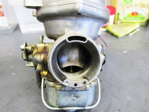 Right Carburetor Throat