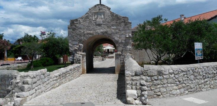 Poarta dinspre orasul nou spre orasul Nin vechi, Croatia