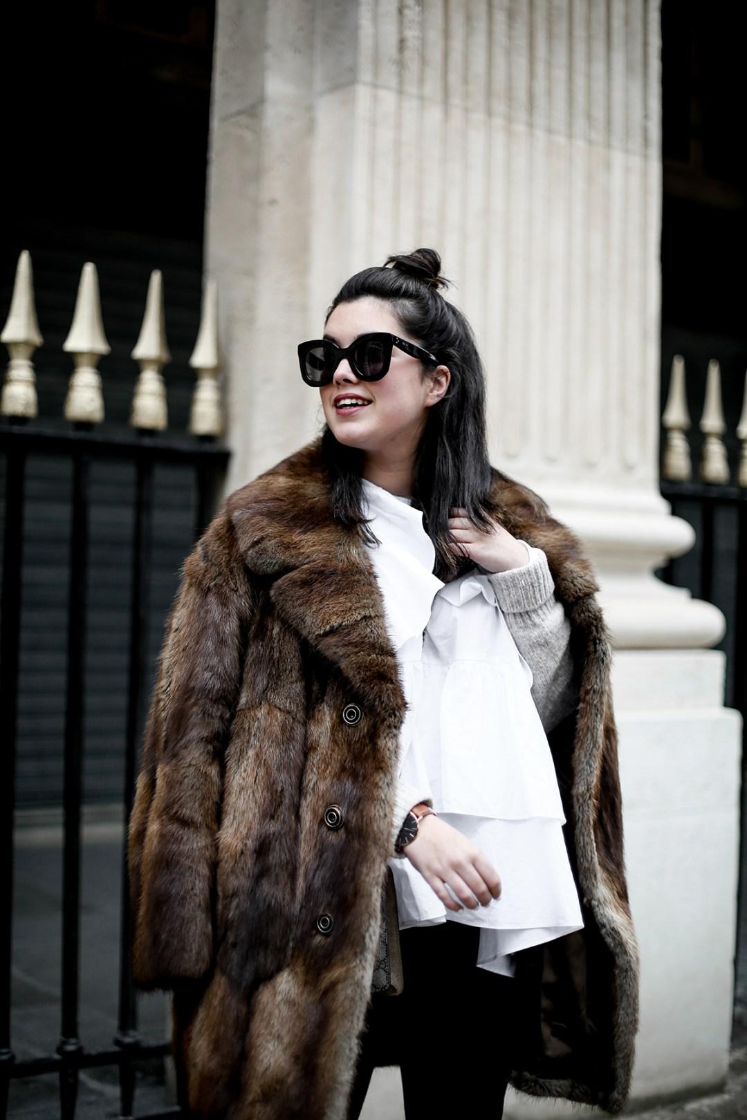 golden goose deluxe brand sneakers fur coat vintage streetstyle paris 2017-12